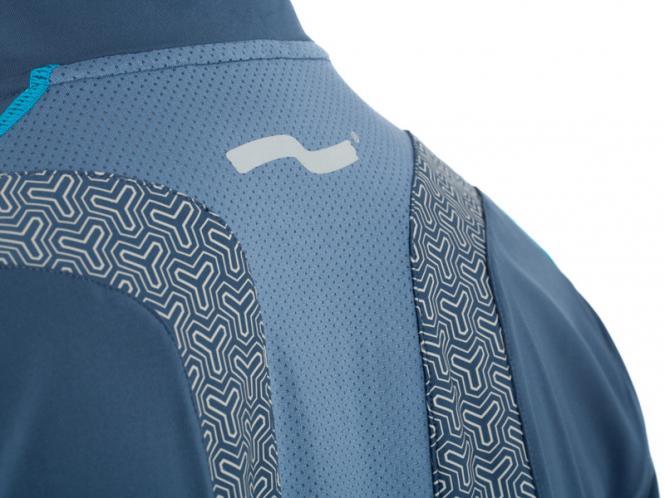 Laufoutlet - BRAWN Langarm Funktionsshirt - Antibaktierieller Longsleeve mit integriertem UV-Schutz und angeschnittenem Handschuh - balena
